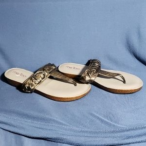 me too Shoes - Size 8 Bronze Sandals - Me Too
